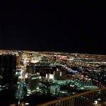 Vista noturna da Torre
