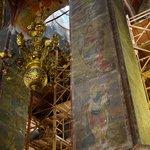 внутри храма в период реставрации