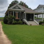 Evergreen Cottage on Cemetery Rd with Fantastic View of MS River