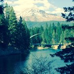 Lake siskiyou bike path