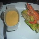 Velouté de giromon et salade de papaye verte et crevettes
