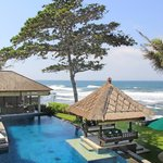 #Luxury#four#bedroom#beachfront#villa#Bali