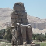 египетская статуя.