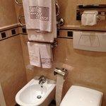 Asciugamani appoggiati al termoarredo (utile d'inverno)