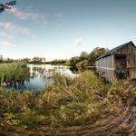 Schlossweiher mit Bootshaus