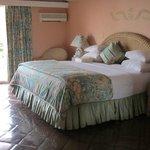 Coral Suite 225 bedroom