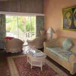Coral Suite 225 lounge area