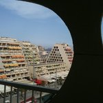 vue de l'hôtel typique de la grande motte