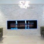 Lobby/Fireplace/Sitting Area