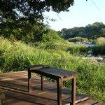 Sitzplatz am Fluss