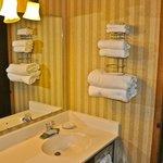 Bath, Sunrise Villa Room, Madden's Resort on Gull Lake, Brainerd MN