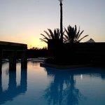 Une des piscines au coucher du soleil