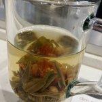 Jasmine flowering green tea