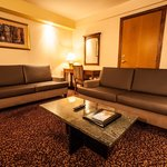 Executive Suite Living-room 700