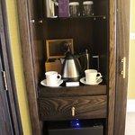 Tea/Coffee Maker in the room