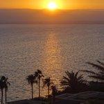 Atardecer sobre el Mar Muerto