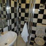 Quarto de casal com banheiro privativo