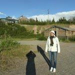 Lange Schatten, langer Sonnenschein, altes Roadhouse