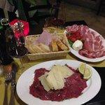 La Chianina and Burrata in crosta di parmigiano e pomodorini