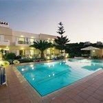 니리이데스 호텔