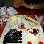 Dessert plate to share