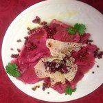 Carpaccio di Chianina al pepe verde e rosa