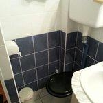 Toilettes pour petits gabarits uniquement!