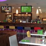 Bar und Frühstücksbereich
