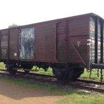 Güterwagen der Reichsbahn in die viele Tausend verschleppt würden