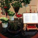 Receptionen, jordbær og Asparges tema