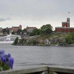 Vista de Estocolmo y sus canales, desde la terraza trasera del acuario