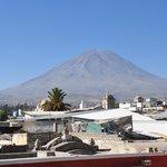 vista del Misti desde el tejado de la casa