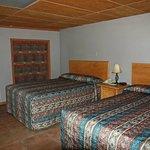 Unser Zimmer mit 2 Queen-Betten