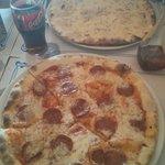 Pizza diabola y 4 quesos