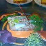 Pressé de homard à la vinaigrette de poivrons rouges