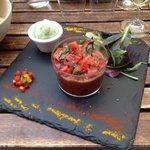 carpaccio de tomates/fraises, glace au basilic