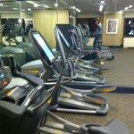 Salle fitness tout équipé