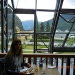 NO café da manhã, vista privilegiada do lago e das montanhas
