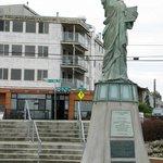 A mini Statue of Liberty
