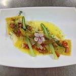 ravioli di asparagi al timo e pomodorini