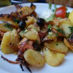 Oven baked Squids with potatoes