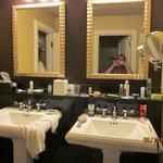 Side-By-Side Sinks/Vanities
