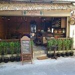 Maiphai Bar / Café