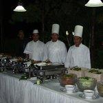 Montaje de buffet por los chef