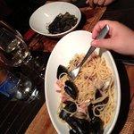 Agosto 2013: Spaghetti allo scoglio (i più buoni che abbia mai mangiato) e tagliolini al nero di