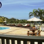 Piscina y solarium del Resort