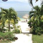 Bajada a la playa del Resort