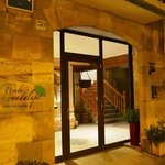 Puerta acceso hotel Posada Guadalupe