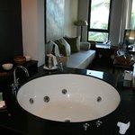 Offenes Bad der Penthouse-Suite