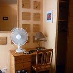 scrivania e ventilatore!
